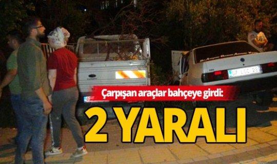 Antalya'da iki otomobil kafa kafaya çarpıştı