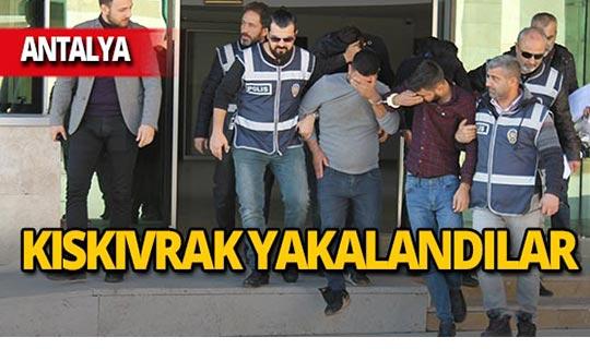Antalya'da iş yerlerine dadandılar!