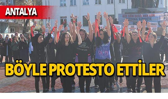 Antalya'da kadınlardan zumbalı protesto