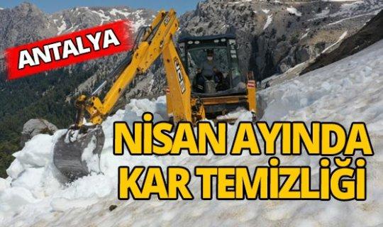 Antalya'da Nisan ayında kar temizliği
