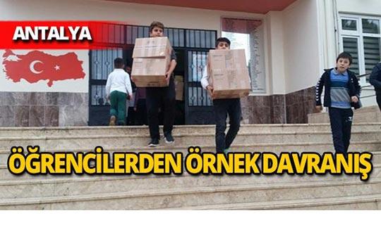 Antalya'da öğrenciler 1550 adet kitap topladı
