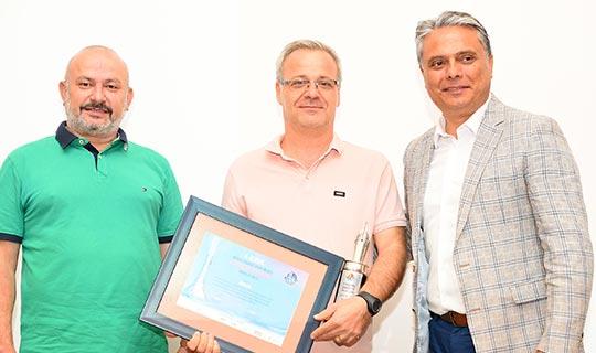 Antalya OSB'de kazananlar ödüllerini aldı