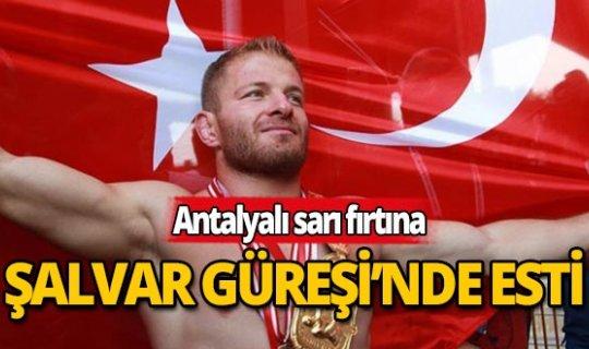 Antalyalı İsmail Balaban artık dünya şampiyonu!