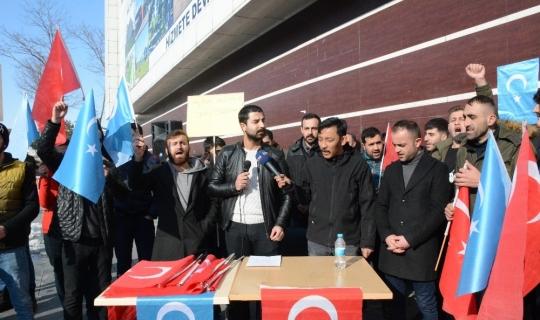 Bitlisli gençlerden Doğu Türkistan için çağrı