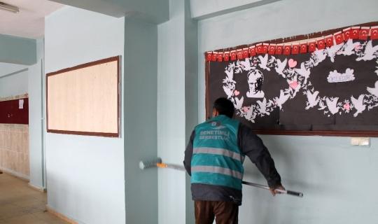 Denetimli serbestlik yükümlüleri okulların boya badana işlerini yapacak