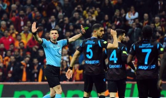 Dev maçta Ümit Öztürk'ün kart raporu