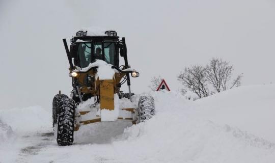 Erzincan'da 252 köy yolu ulaşıma kapandı