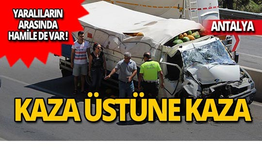 Kazayı izlemek isterken kazaya sebep oldu! Yaralılar var