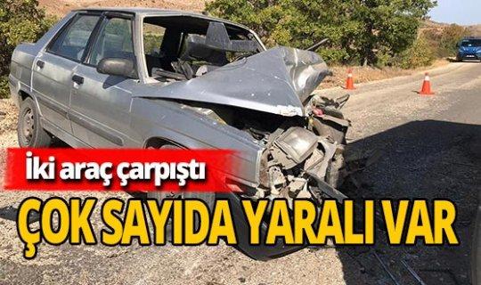 Minibüsle otomobil çarpıştı: Yaralılar var