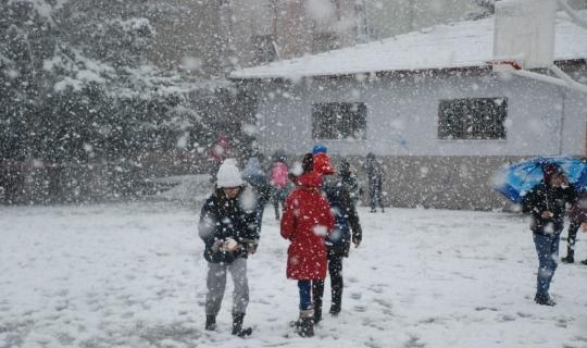 Öğrenciler istedi, kar tatili geldi