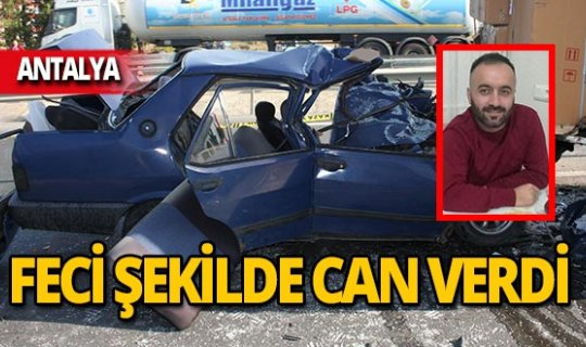 Otomobil kamyonun altına girdi!