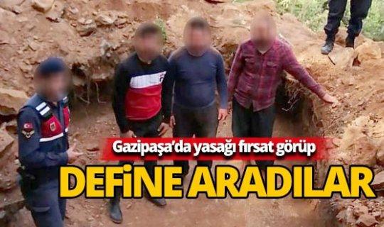 Sokağa çıkma kısıtlamasını fırsat bilen defineciler jandarmaya yakalandı
