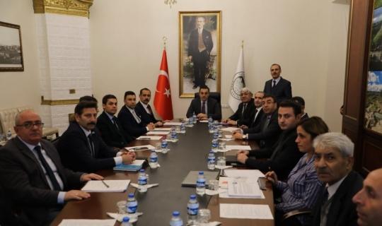 Vali Türker Öksüz, Kars'ın çevre sorunlarını masaya yatırdı