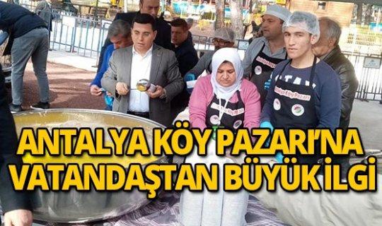 Vatandaş Antalya Köy Pazarı'na akın etti