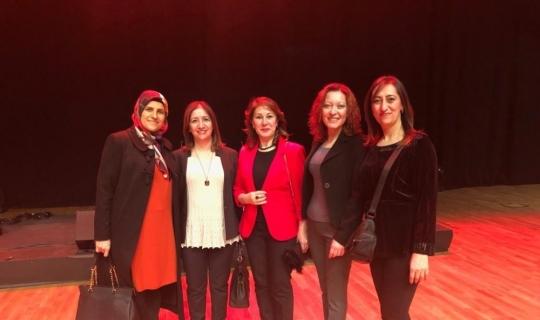 """Yüksekovalı kadınlar Konya'daki """"Reng-i Hakkari"""" programına katıldı"""