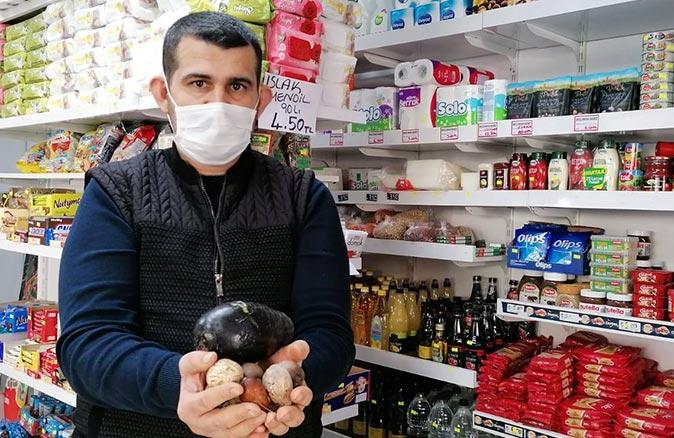 Alanya'da Hakan Hacıhamdioğlu avokado çekirdeği getirene ücretsiz ekmek veriyor