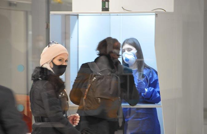 Londra'dan İstanbul'a gelen 125 kişiye test yapıldı