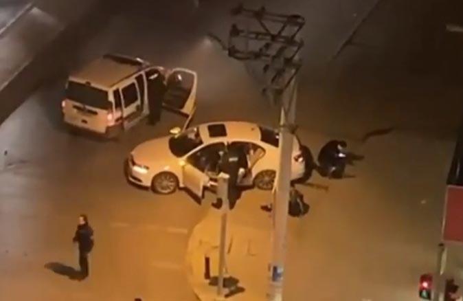 İzmir Valiliği, alkollü sürücüye sert müdahale eden polis hakkında soruşturma başlattı