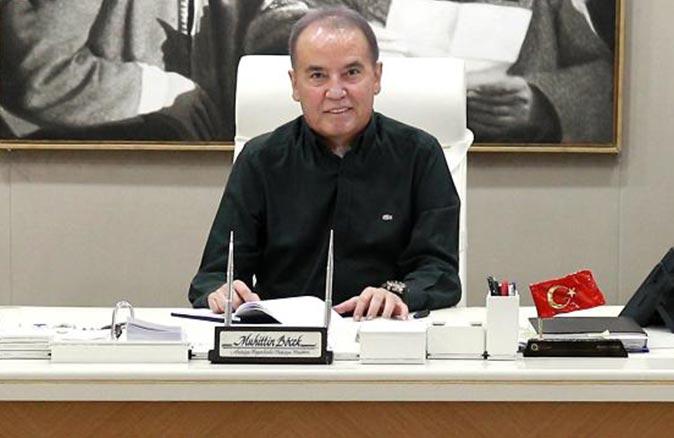 Yavuz Donat, Muhittin Böcek'in siyasete girdiği günden itibaren yaşadıklarını yazdı