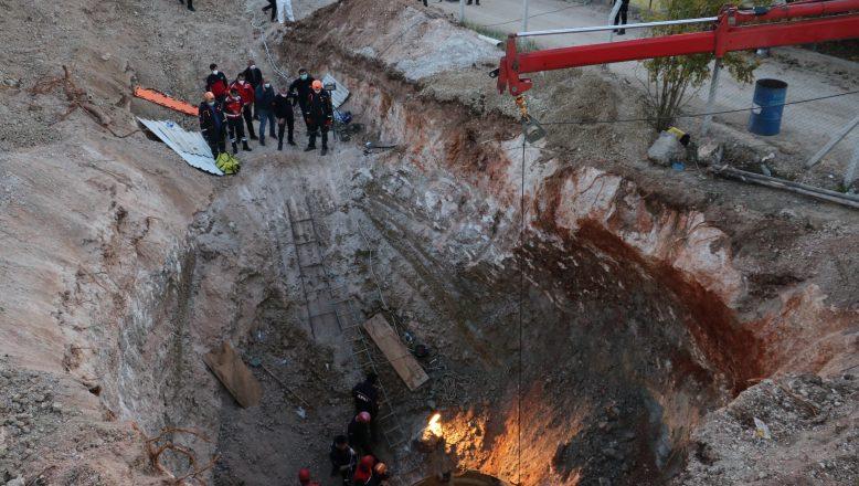 Adana'da göçük altında kalan işçinin cansız bedenine ulaşıldı