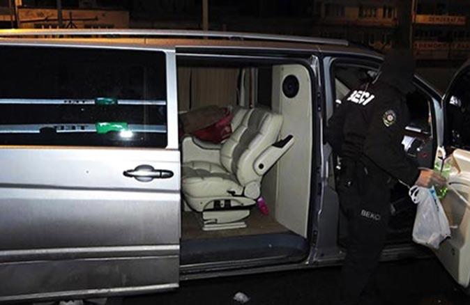 Eskişehir-Bursa arası VIP araçla uyuşturucu partisi yaptılar