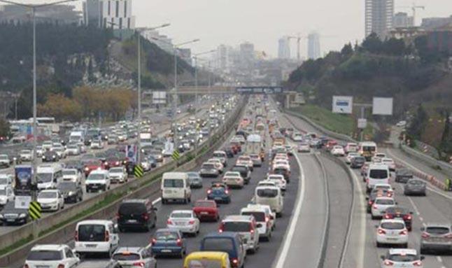 O şehirde olanlar dikkat! Kısıtlama öncesi trafik kitlendi