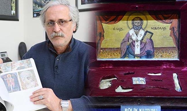 Prof. Dr. Nevzat Çevik, 'Noel Baba Antalya'da doğmuş, büyümüş ve ölmüştür'