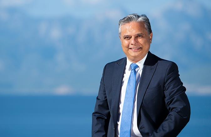 Muratpaşa Belediye Başkanı Ümit Uysal'dan yeni yıl mesajı