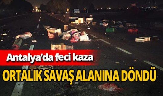 Antalya'da kamyonet devrildi! Sürücü olay yerinden kaçtı