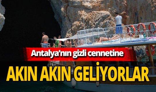 Antalya'da turistler 'Aşıklar Mağarası'na akın ediyor