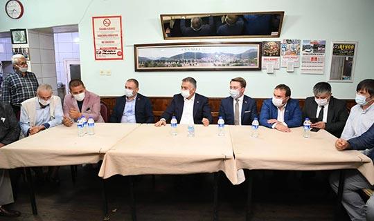 Antalya Valisi esnafın sorunlarını dinledi