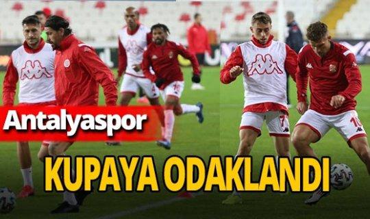 Antalyaspor'da hedef kupada bir üst tur