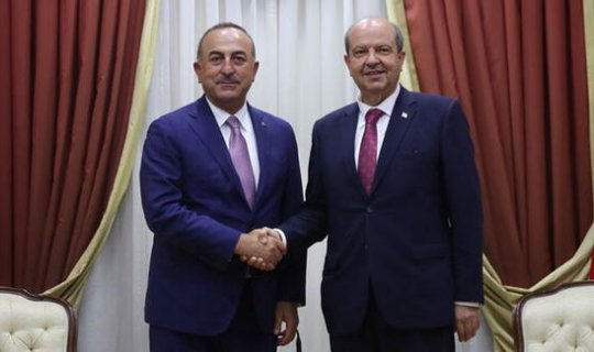 Dışişleri Bakanı Mevlüt Çavuşoğlu, KKTC Cumhurbaşkanı Ersin Tatar ile görüştü
