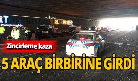 Diyarbakır'da 5 araç birbirine girdi!