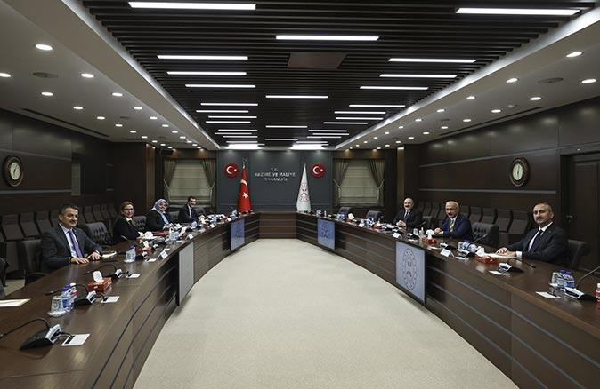6 bakan 'ekonomi ve reform' gündemiyle bir araya geldi