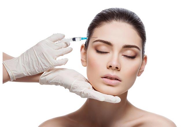 Uzmanı açıkladı! Covid-19 aşısı yüz dolgularını etkiliyor mu?