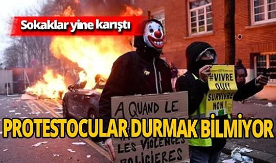 Fransa karıştı! Araçları ateşe veriyorlar