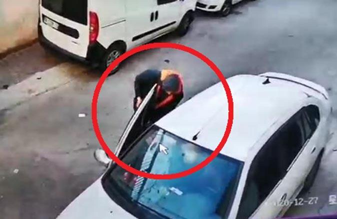 Hırsızlık yapılan arkadaşını ziyarete gitti, otomobiline hırsız girdi