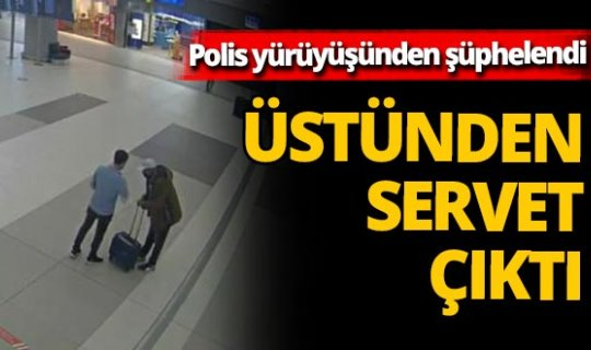 İstanbul havalimanında hareketli dakikalar! Şüpheli yolcunun üzerinden100 cep telefonu çıktı