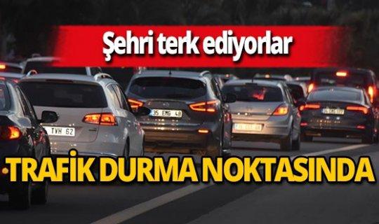 İzmirliler şehir merkezini terk etmeye başladı