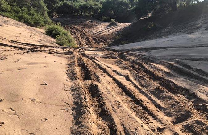 Doğal SİT Lara kumullarında 'bakanlık onaylı' ATV safarisi