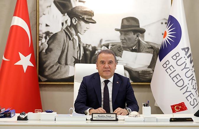 Antalya Büyükşehir Belediye Başkanı Muhittin Böcek'ten yeni yıl mesajı
