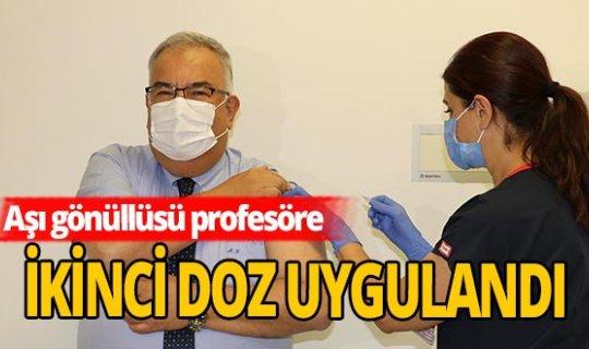 Prof. Dr. Mustafa Gerek'e koronavirüs aşısının ikinci dozu yapıldı