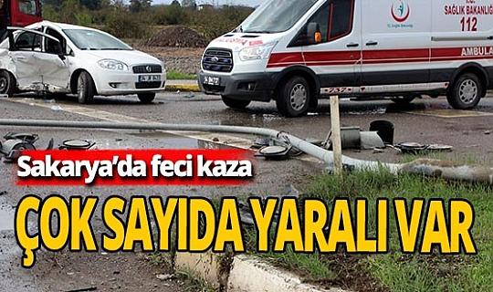 Sakarya'da iki otomobil çarpıştı: 8 yaralı