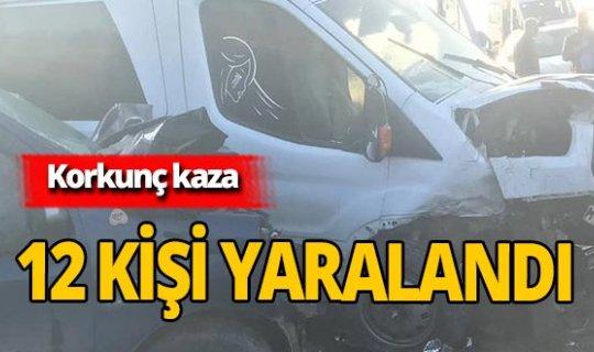 Şırnak'ta korkunç kaza: Yolcu minibüsü ile hafif ticari araç çarpıştı!