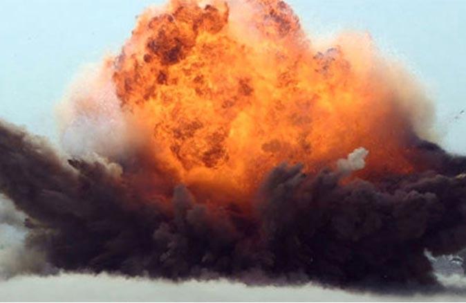 Son dakika...Yemen'de Aden Havalimanı'nın terminalinde patlama!