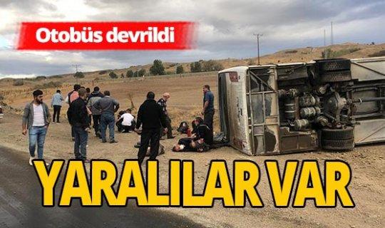 Yolcu otobüsü devrildi: 17 kişi yaralandı