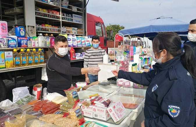 Kemer Belediyesi ekipleri pandemi döneminde çalışmalarını sürdürüyor