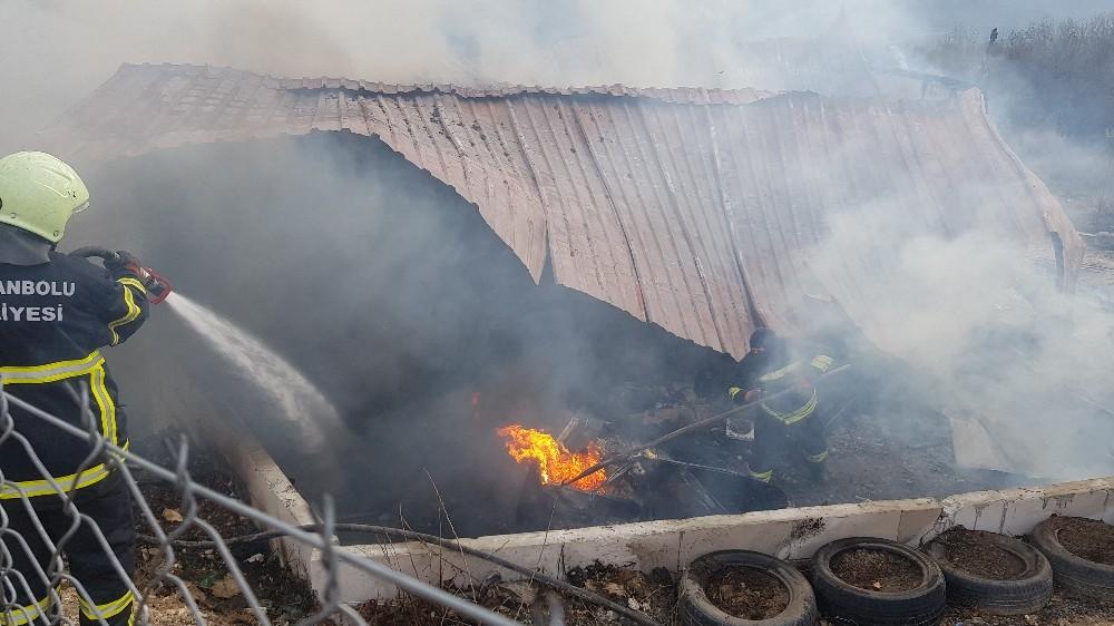 Safranbolu'da ev alevlere teslim oldu