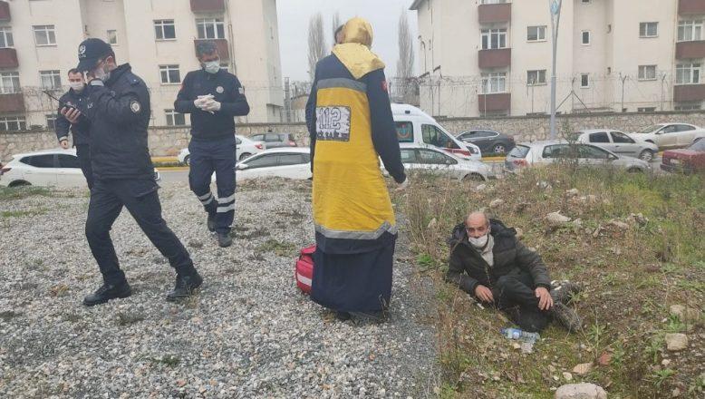 Boş arazide hareketsiz yatan şahıs vatandaşları korkuttu